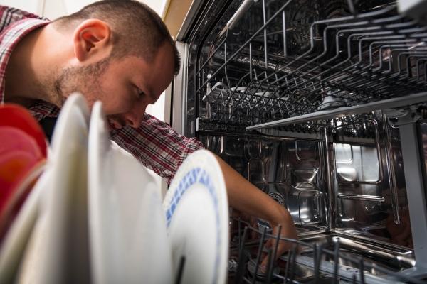 Plumbing Tips for your Dishwasher & Garbage Disposal